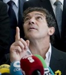 Antonio Banderas gestures during Tuesday's press conference inaugurating his new foundation. (EFE)