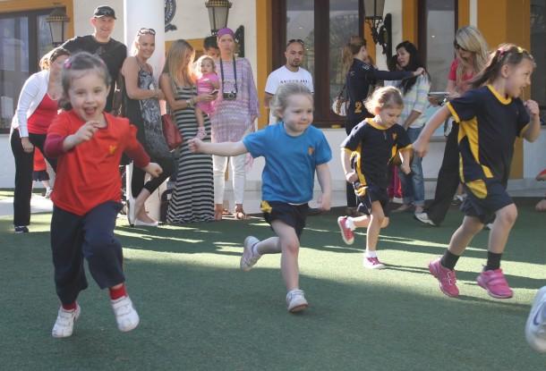 Nursery girls in the running race