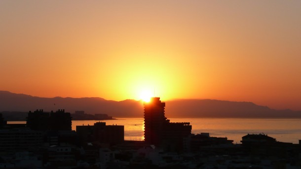 Málaga sunrise © Chris Dove