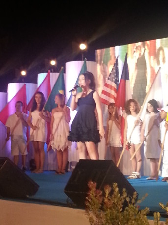 Veronica Malka singing at The Children for Peace Gala