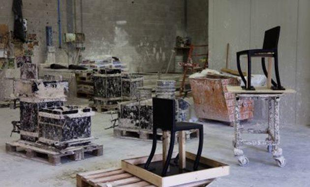 Pieke - productie van het werk melted bronze, foto Mirjam Bleeker