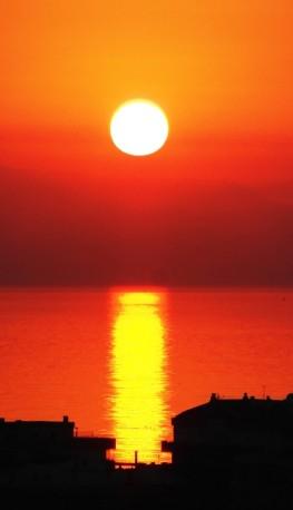 Sunworship © Chris Dove
