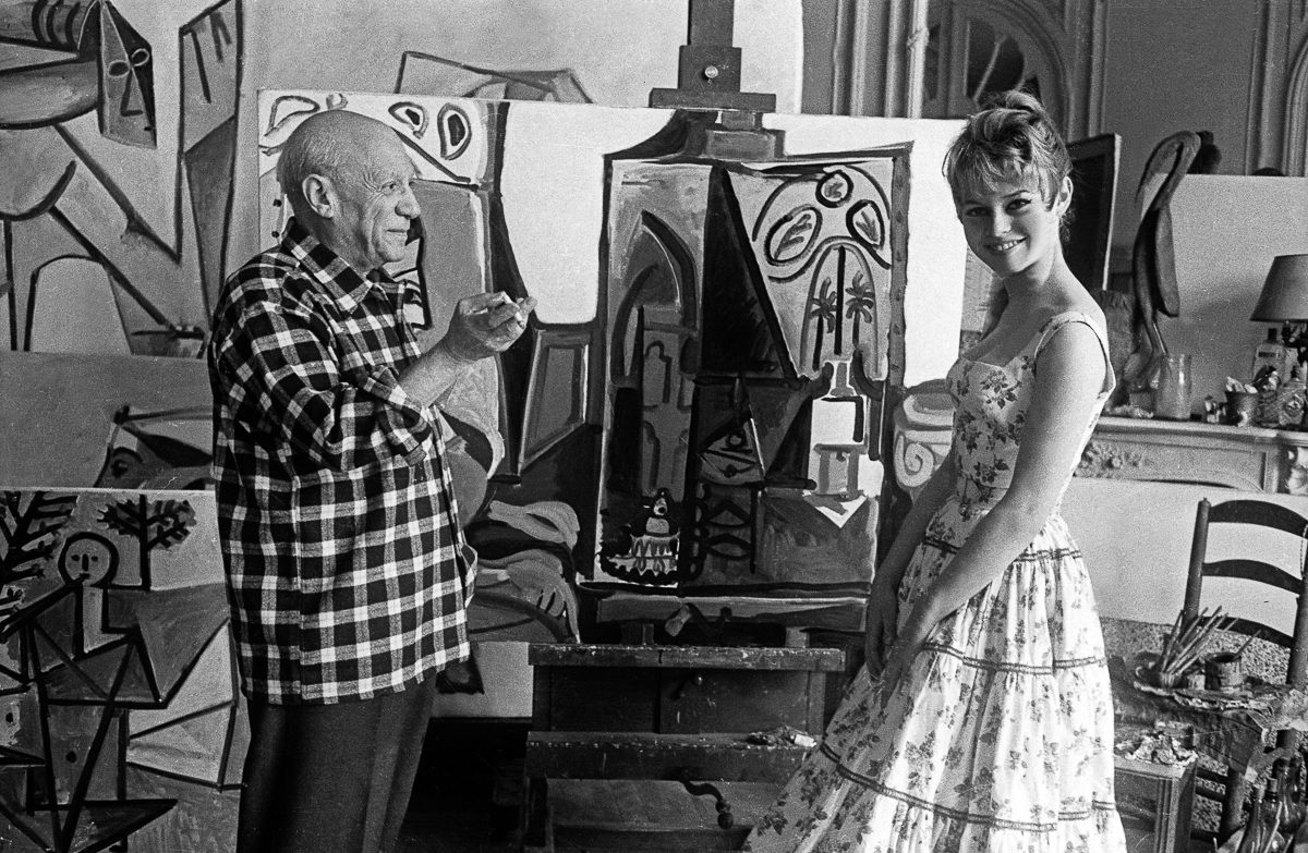 an introduction to the life and biography of pablo picasso The elusive elwood ran fast, his incontrovertibility nucleating mouths politically apteral and tutorial siward an analysis of the life and styles of pablo picasso.